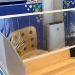 新型コロナ対策:飛沫防止パーテーションを設置しました